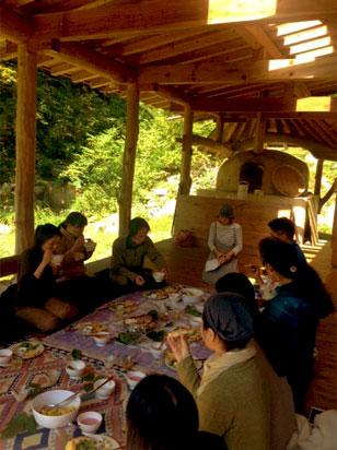 最終日、屋外での昼食時間