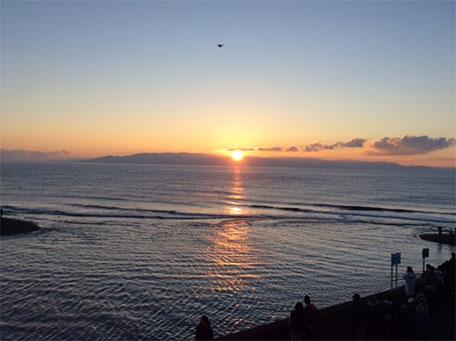 7:04 初日の出です。太陽に礼拝をしました。
