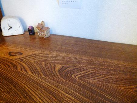 お気に入りの無垢材テーブル