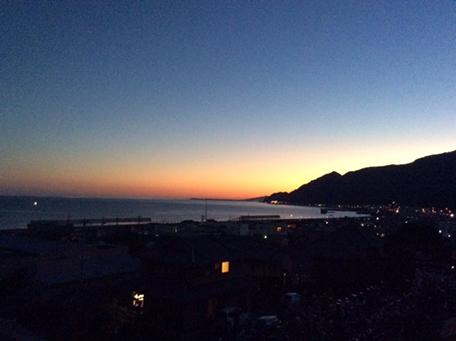 八幡神社から大晦日の夕暮れ